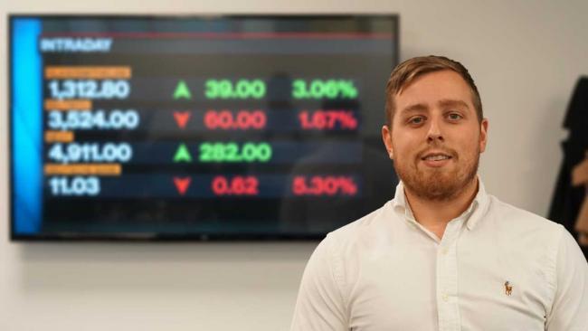 stock trader uk opsi biner sistem 60 detik