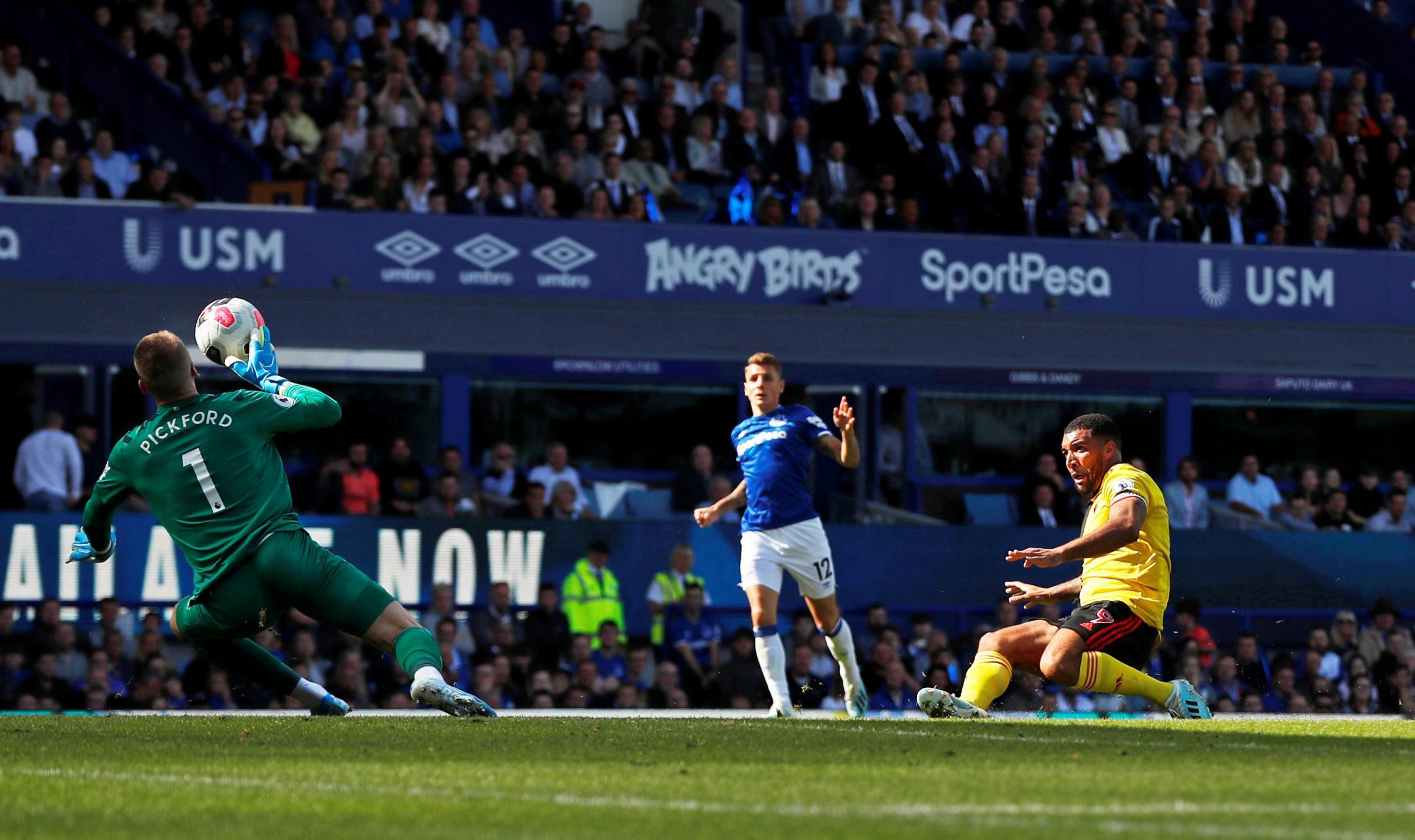 Early Bernard goal enough gives Everton victory over Watford