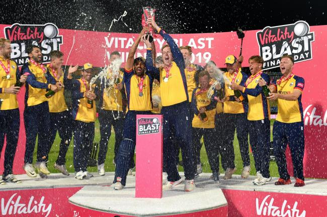 Essex beat Worcestershire to win the trophy