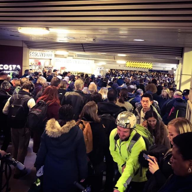 Queues at London Euston last week caused by cancelled trains
