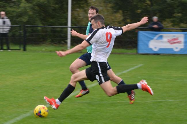 Mitchell Weiss had some of Kings Langley's better opportunities. Picture: Chris Riddell