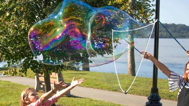 Watford Observer: What's not to love about bubbles? Credit: Etsy / BubblePalooza