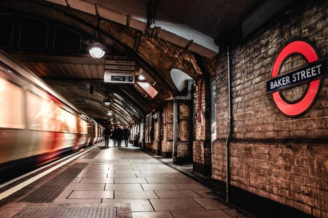 There are minor delays on the Metropolitan line. Photo: Unsplash