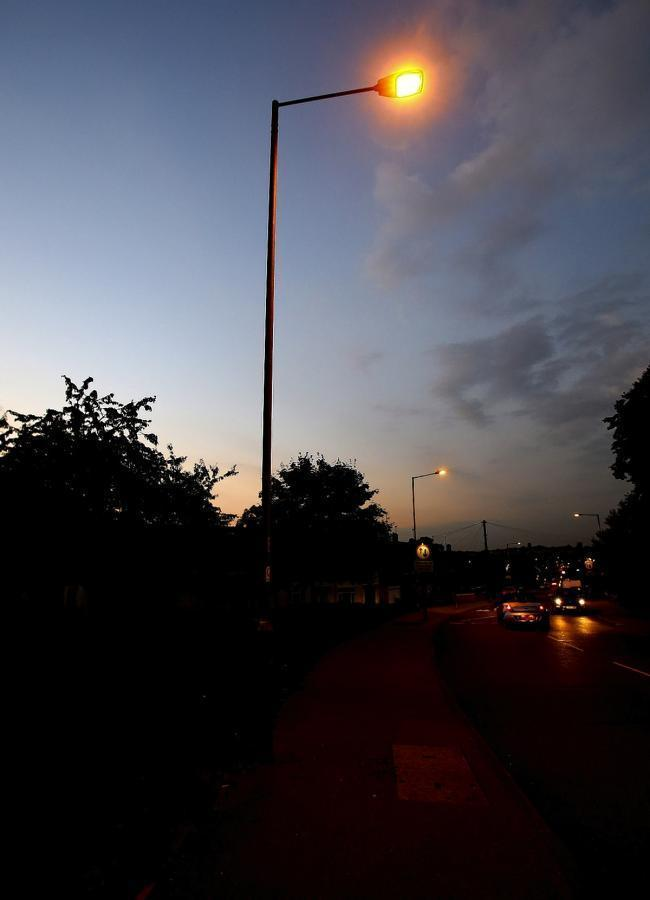 Streetlights could be dimmed in Hertfordshire