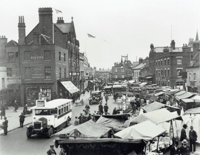 Market Place in High Street c1924. Photo: Bob Nunn Collection, Watford Museum