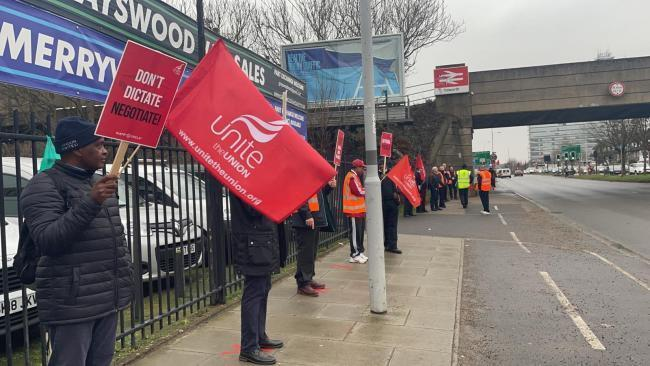 Bus drivers picketing in south London with strikes planned across the capital. Credit: Kingston and Surbiton Labour/NewsShopper