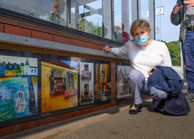 Watford Observer: Artist Sharon Green at Radlett station. Credit: Peter Alvey