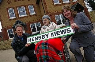 Bunny Hensby with architect Jeremy Wright and Mayor Dorothy Thornhill at the naming of Hensby Mews in 2009