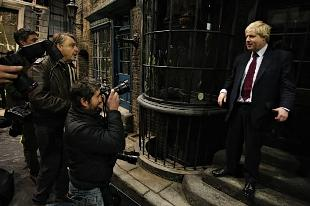 Mayor Boris has a wizard day at Harry Potter tour