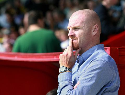 Dyche with England Under-21 set-up