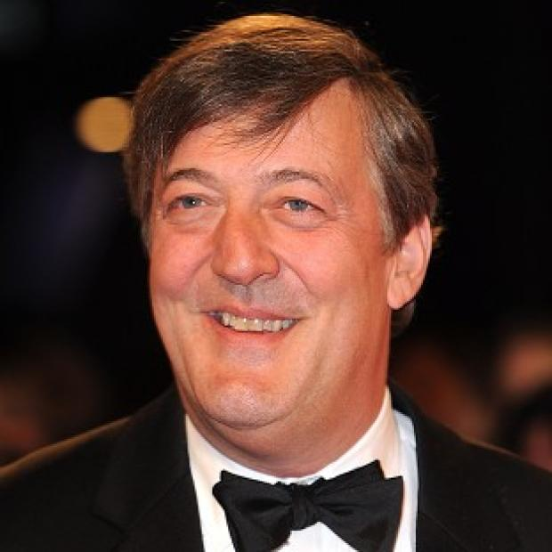 Stephen Fry is backing a bid to get Shakespeare online