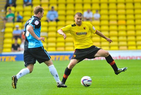 Dickinson leaves Watford on loan