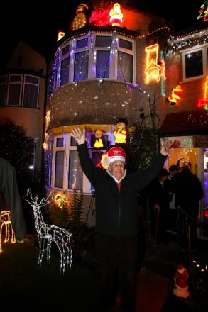 Festive lights display raises £4000 for charity