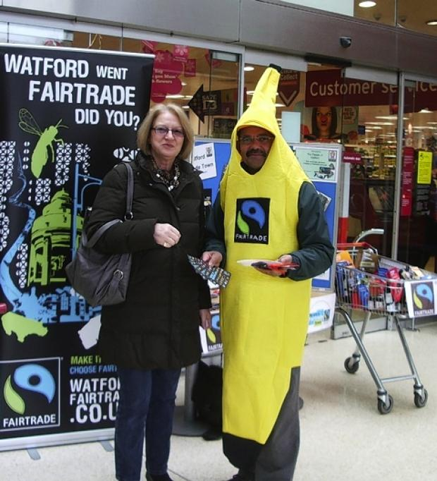 Councillor Malcolm Meerabux supporting Watford's Fairtrade Fortnight