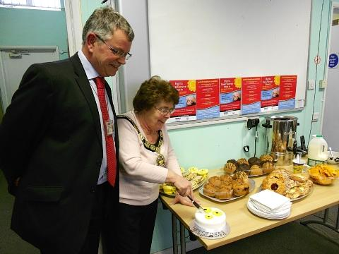 Detective Inspector Duncan Sales and Hertsmere's Mayor, Councillor Pat Strack at the official launch last Friday