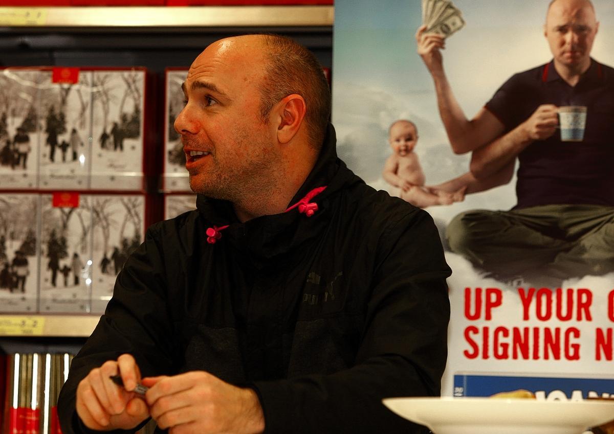An Idiot Abroad Star Karl Pilkington Greets Fans At Watfords Tesco