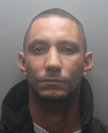 Police appeal for wanted Rickmansworth man