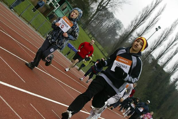 Rickmansworth runners get set for 2014 Sport Relief Mile