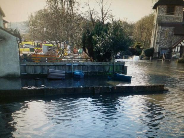 Main Rickmansworth road to remain closed overnight