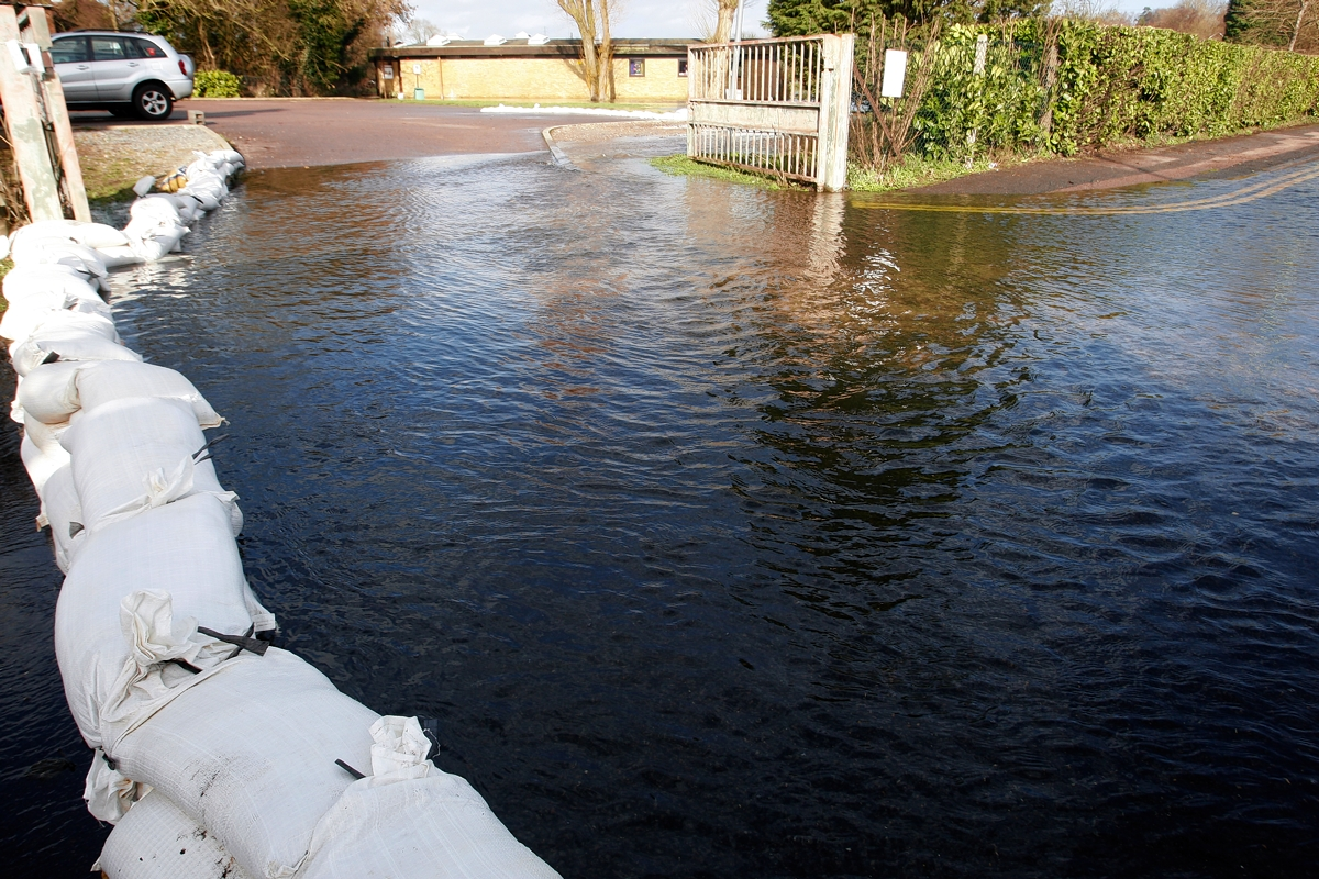 Floods: council chief criticised over sandbag remarks