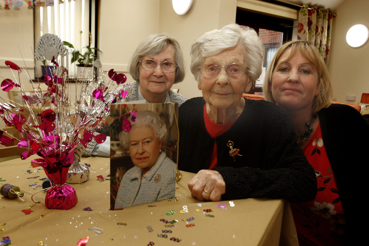 Ellen Hetherington turns celebrates her 100th birthday with daughter Barbara Howard and granddaughter Suzanne Howard.