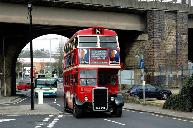 Hundreds attend Watford 142 bus route centenary