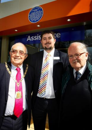 L-R Les Mead, David Reidy (organiser) & Sam Russell (London Overground)