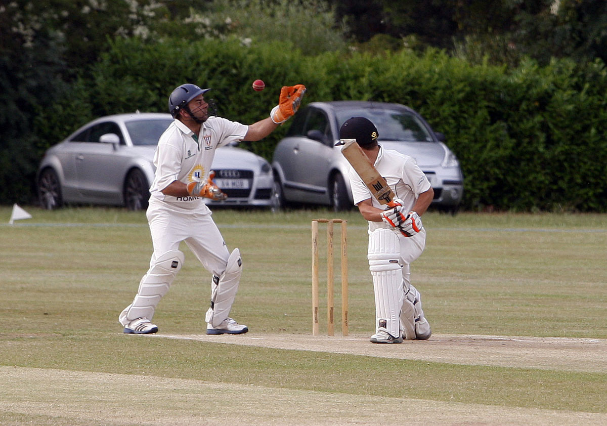 Bushey Seconds continued their decent start to the season