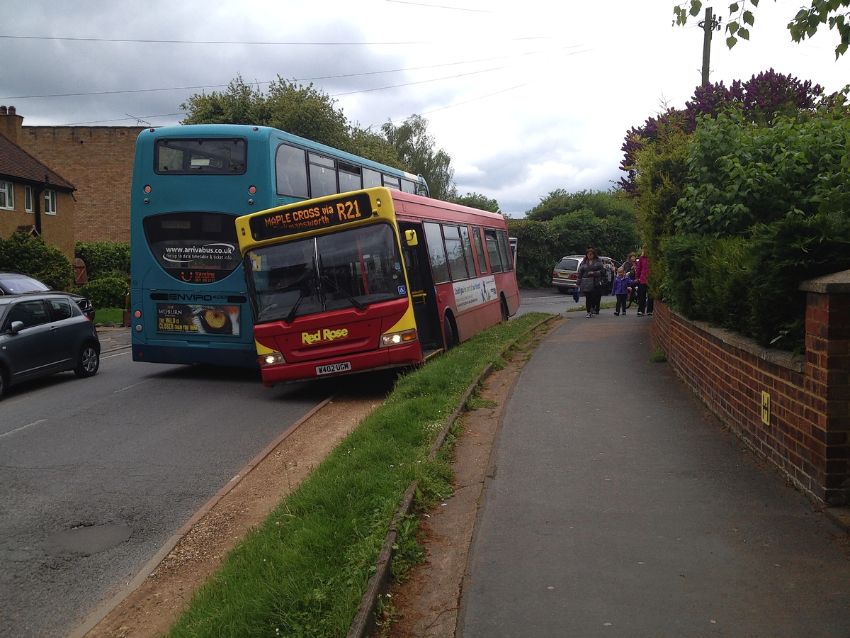 Buses wedged after trying to pass each other in Mill End