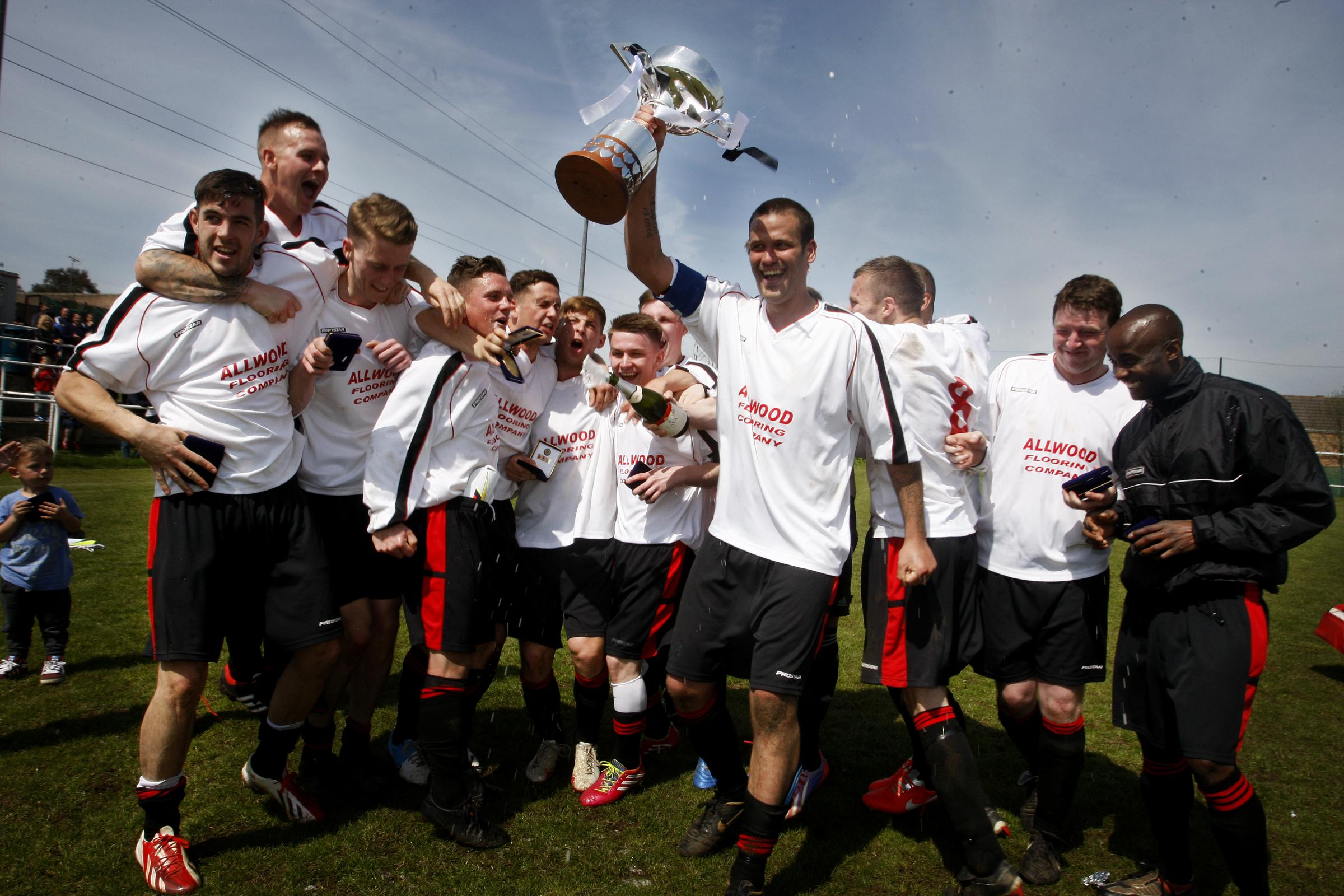 Oakview win Challenge Cup for fourth successive year