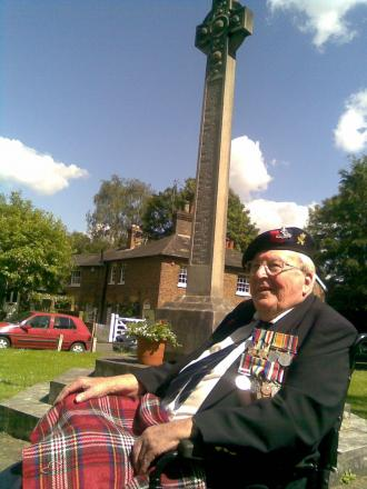 Gunner saved from exploding shell by his cigarette case commemorates D-Day in Letchmore Heath