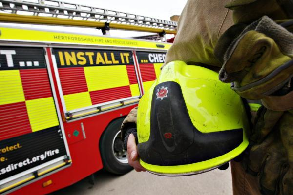 Firefighters help free toddler trapped in car in Abbots Langley