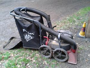 Thieves steal industrial vacuum cleaner from Watford golf club