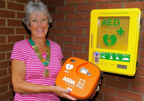 New defibrillators installed in Abbots Langley