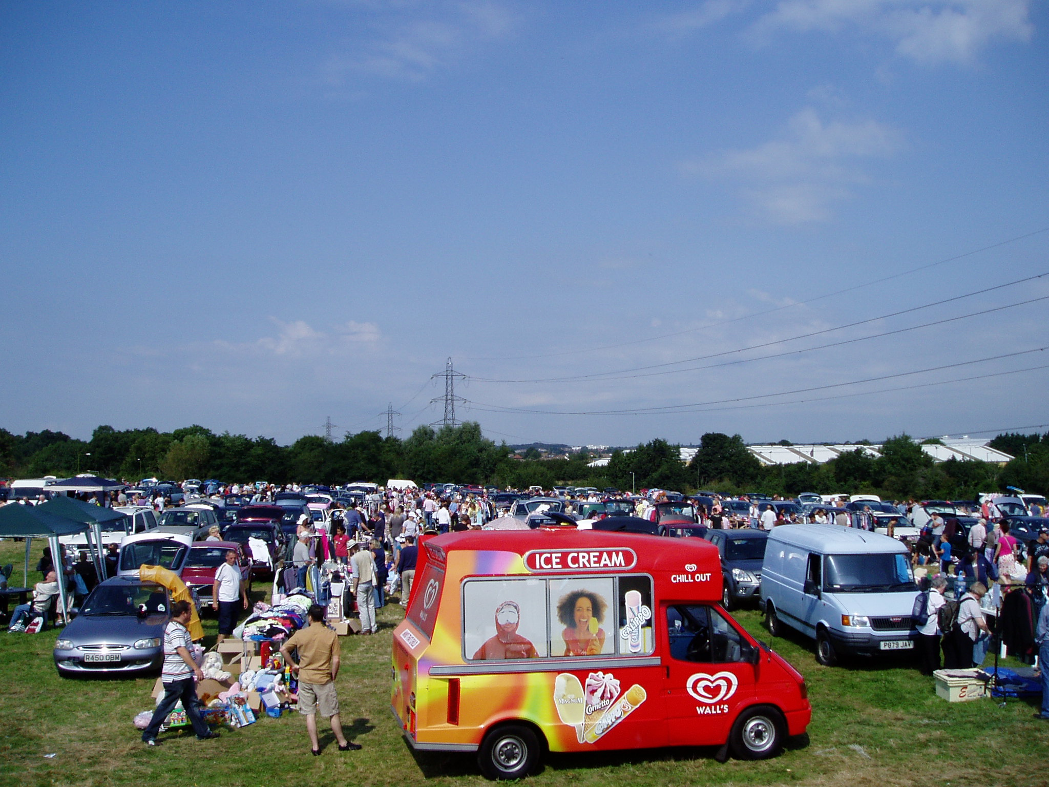 Bushey's Giant Outdoor Car Boot Sale