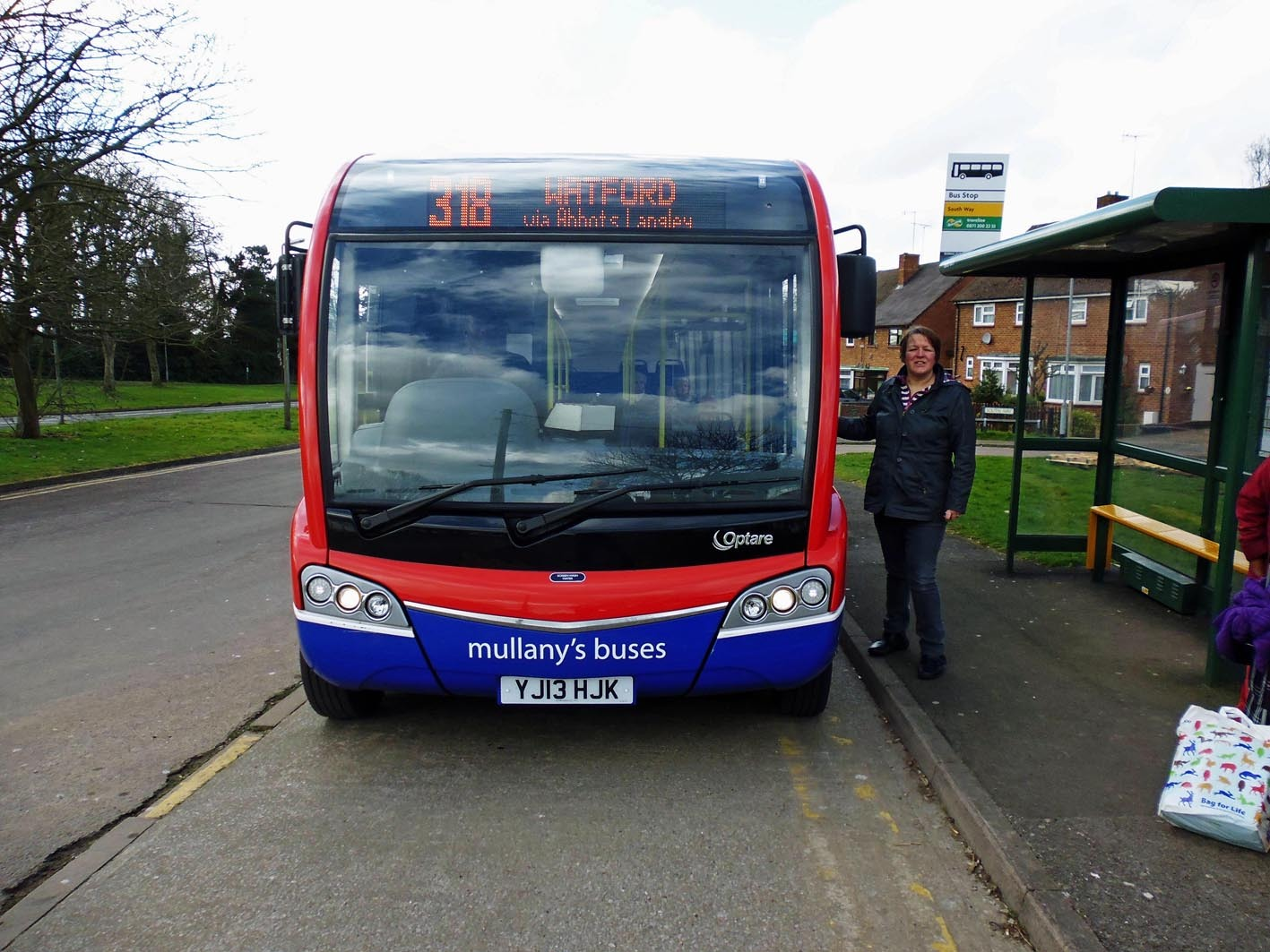 Sara Bedford is calling for the 318 bus route, which runs through Abbots Langley and Kings Langley, to be saved