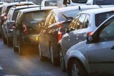 Four-way lights in Bushey causing long queues across Watford ...