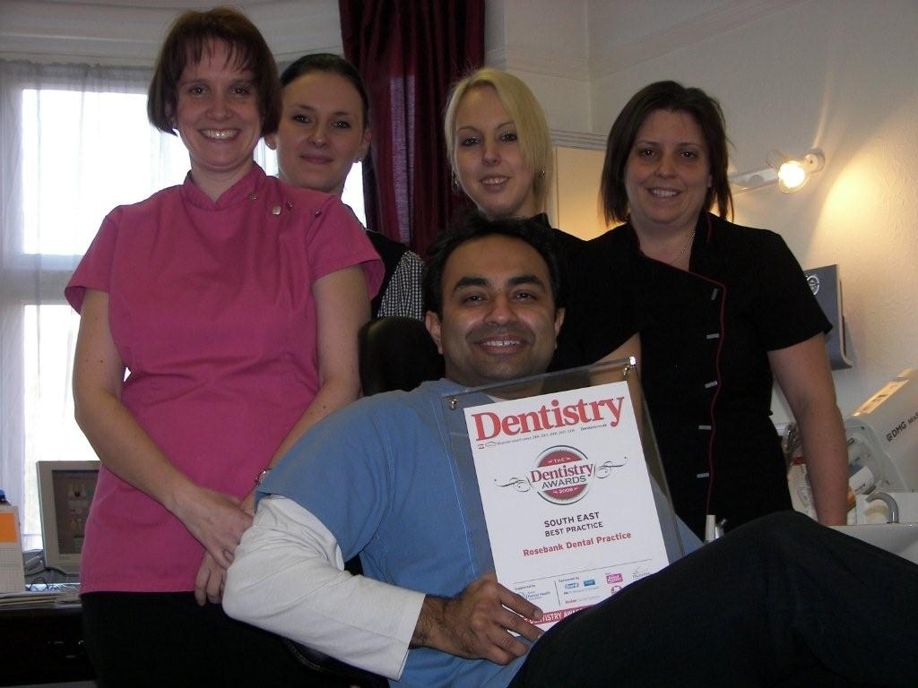 L-R Sharon Foxhall (Hygienist), Agi Szymborska (Reception),Kirsty Langdale (Dental Assistant), Andrea Hammond (Dental Assistant, at front, Dr Shameek