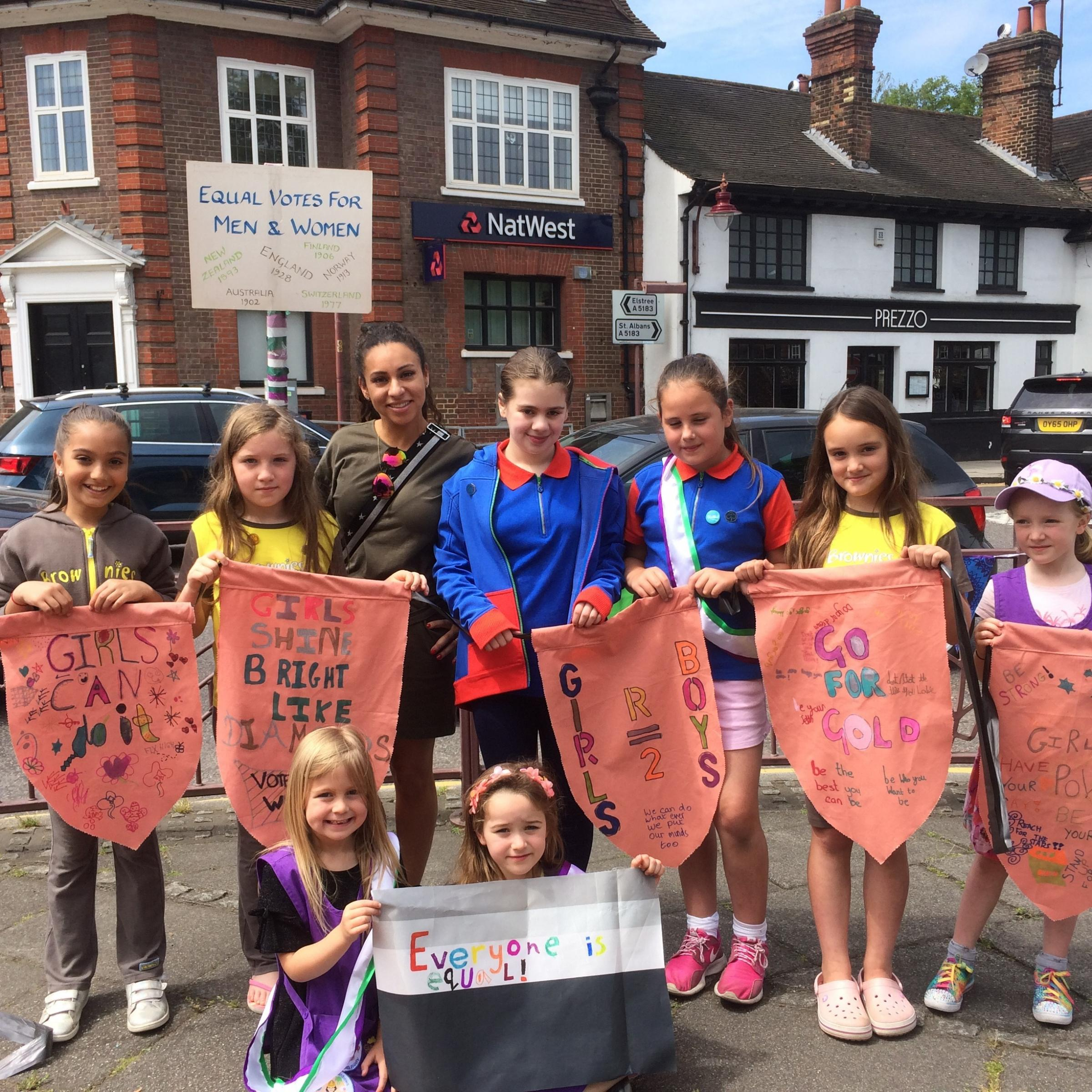 The girl guides with Cllr Caroline Clapper in Watling Street, Radlett