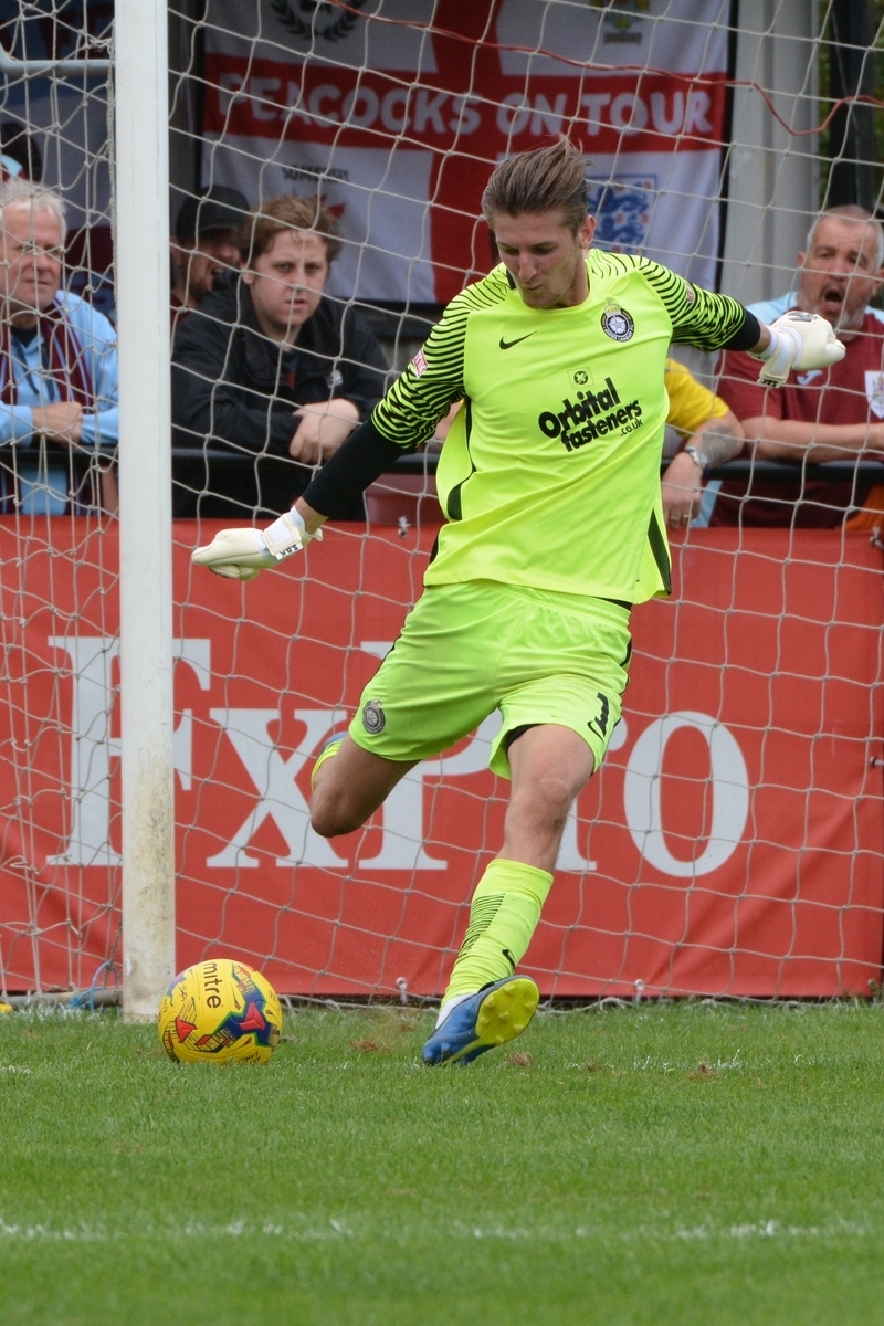 Charlie Burns made an important early save to prevent Kings from falling behind. Picture: Chris Riddell