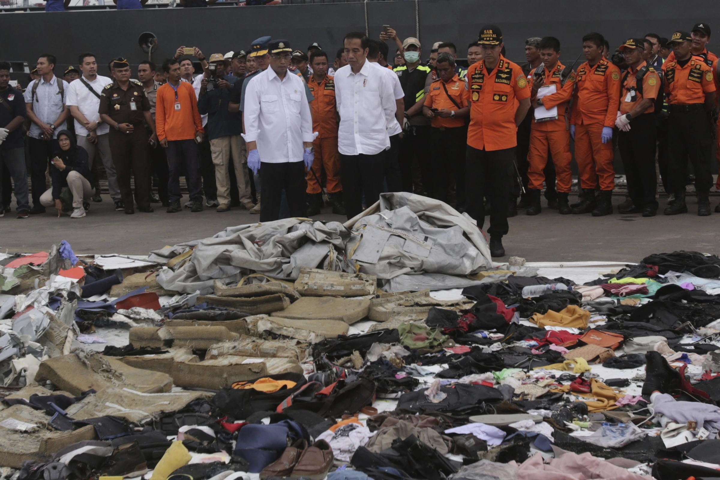 Queen sends condolences to Indonesia following plane disaster