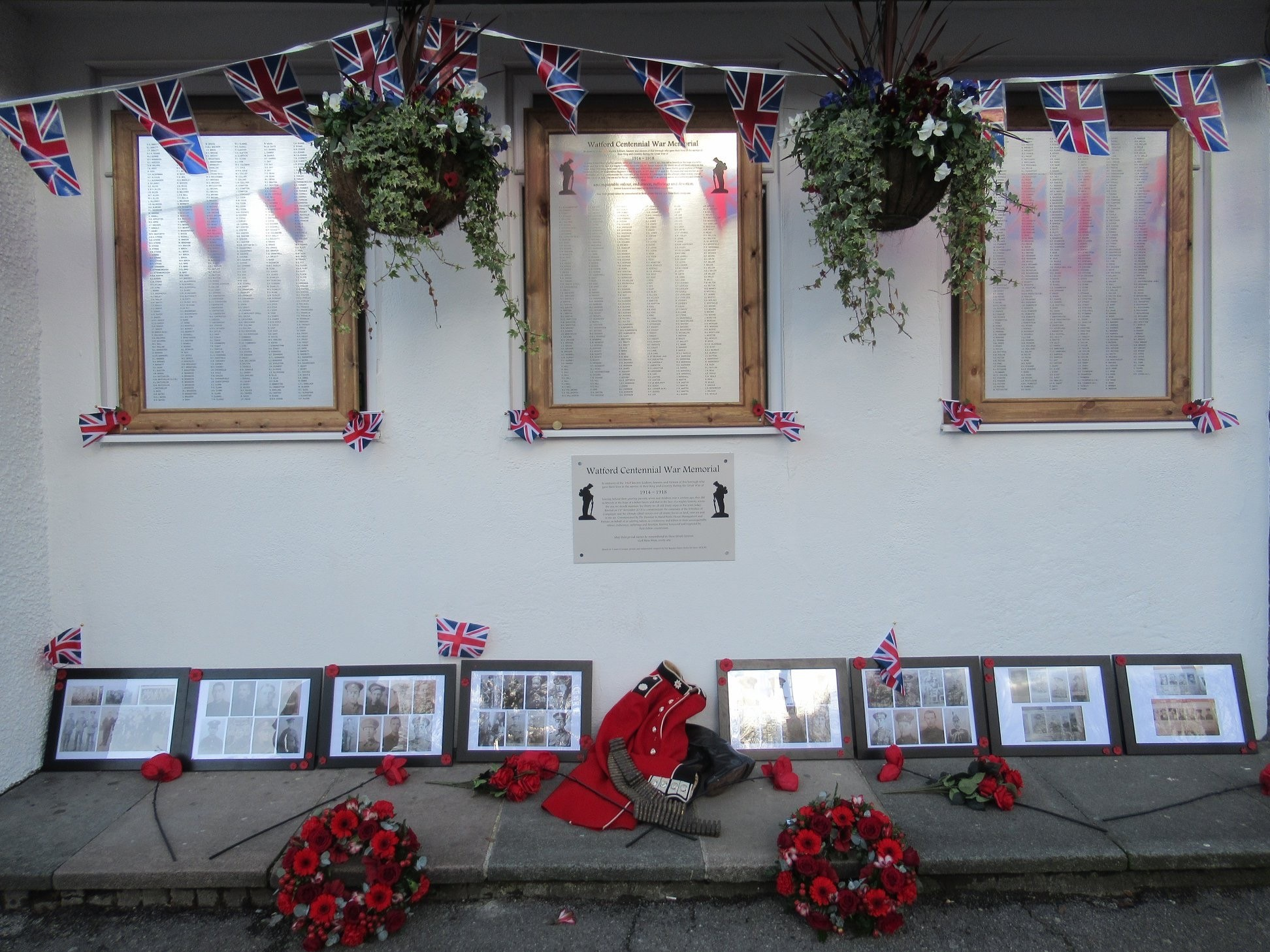 Plaques unveiled bearing the names of 1,429 servicemen who died during the war