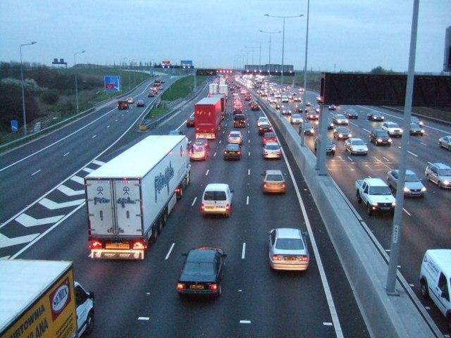 Broken down vehicle and major collision reported on M25 during evening rush hour