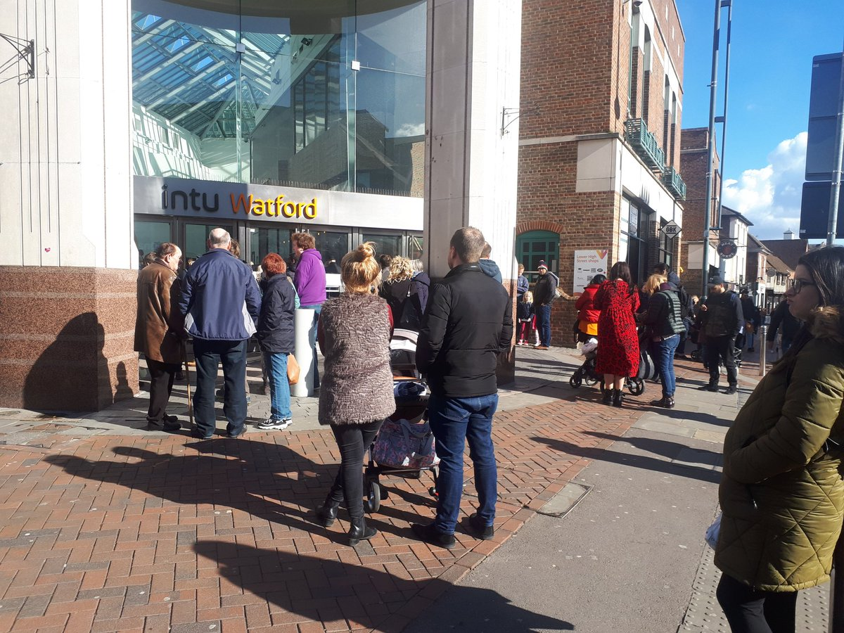 Shoppers waiting in the High Street after being evacuated from intu Watford Photo: Twitter/@SouthOxheyLab