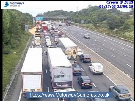 Queues approaching j25 for Enfield on the M25. Credit: Highways England